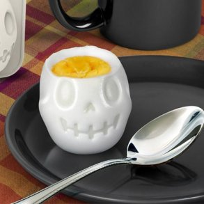 Turn Eggs Into Skulls For Halloween Breakfast เมนูไข่สำหรับเช้าวันฮาโลวีน 17 - Boiled Egg