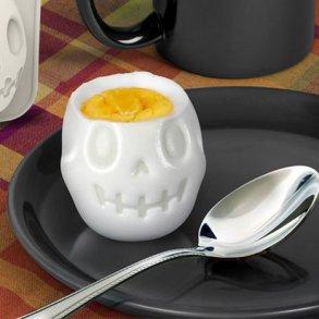 Turn Eggs Into Skulls For Halloween Breakfast เมนูไข่สำหรับเช้าวันฮาโลวีน 16 - Boiled Egg