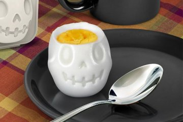 Turn Eggs Into Skulls For Halloween Breakfast เมนูไข่สำหรับเช้าวันฮาโลวีน 6 - Boiled Egg