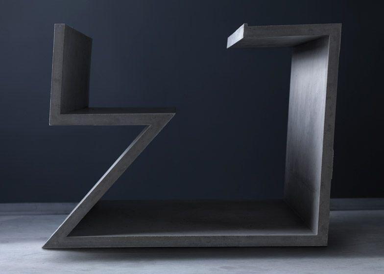 IMG 7018 โต๊ะซีเมนต์ ออกแนวกราฟฟิคโดย  Libeskind สำหรับแบรนด์  Moroso