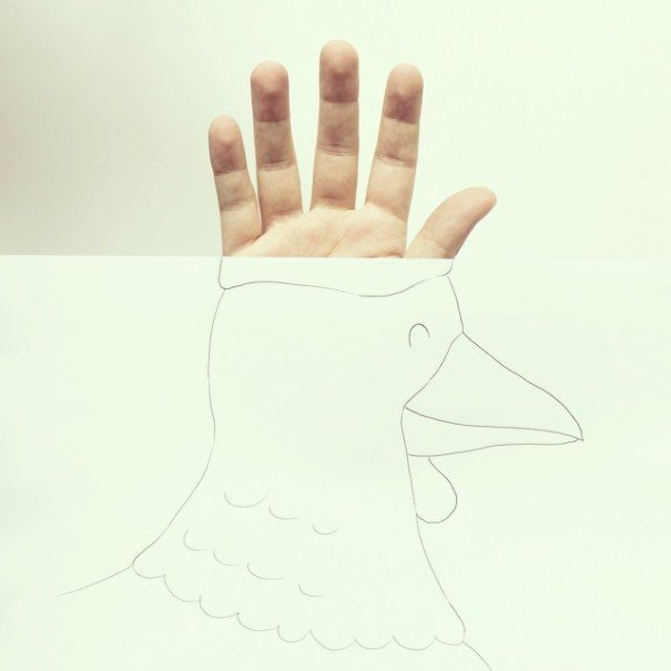 IMG 7222 เมื่อศิลปินอารมณ์ดี สร้างภาพลายเส้นง่ายๆ กับนิ้วมือของเขาเอง
