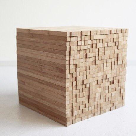 IMG 7913 0 กองไม้รวมกันเป็นโต๊ะ ชั้น ช่องเก็บของ เพียงดันไม้เข้าไป หรือดึงไม้ออกมา