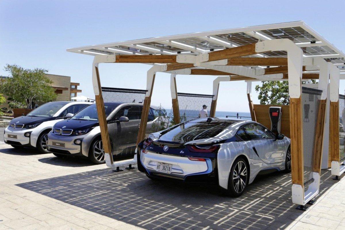 bmw designworksusa solar carport concept 100466356 h I SOLAR CARPORT ที่จอดรถชาร์จไฟด้วยพลังงานแสงอาทิตย์