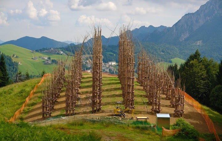 IMG 8431 โบสถ์ต้นไม้..ตัวอย่างงานnatural architectureที่น่าประทับใจที่สุดในโลกชิ้นหนึ่ง