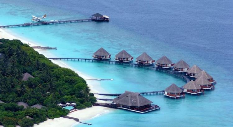 AdaaranWaterVilla 750x411 10 มัลดีฟส์ รีสอร์ท ราคาคนไทยแบบ All Inclusive ห้ามพลาดถ้าคิดจะไปเที่ยว Maldives
