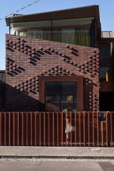 IMG 1203 บ้านในเมือง ที่นำเอา งานGraffiti มาเป็นองค์ประกอบของบ้าน