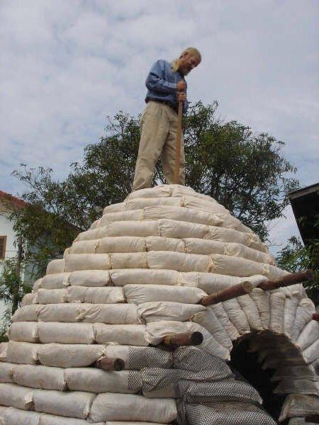 สร้างบ้านเอง Hobbit House บ้านดิน DIY ง่ายๆด้วยตัวเอง งบไม่เกินหมื่น 23 - clay house