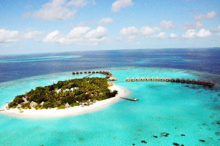 Thulhagiri Island Resort Spa Aerial View 10101 750x498 10 มัลดีฟส์ รีสอร์ท ราคาคนไทยแบบ All Inclusive ห้ามพลาดถ้าคิดจะไปเที่ยว Maldives