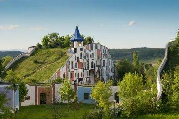 The Rogner Bad Blumau Spa รีสอร์ตสปาโอบล้อมด้วยบรรยากาศศิลปะ