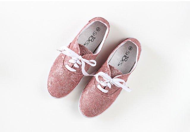 DIY : รองเท้าผ้าใบเคลือบกากเพชรวิบวับ 13 - glitter