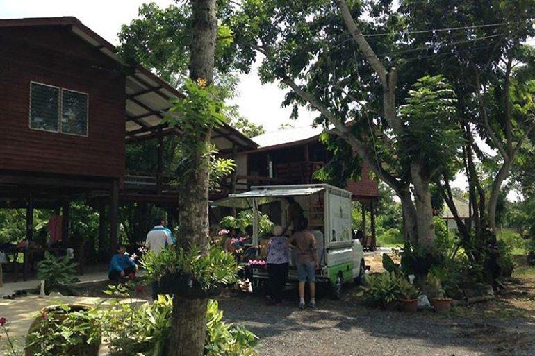 Duangtawan Baansuan ดวงตวัน บ้านสวน 25 - FOOD