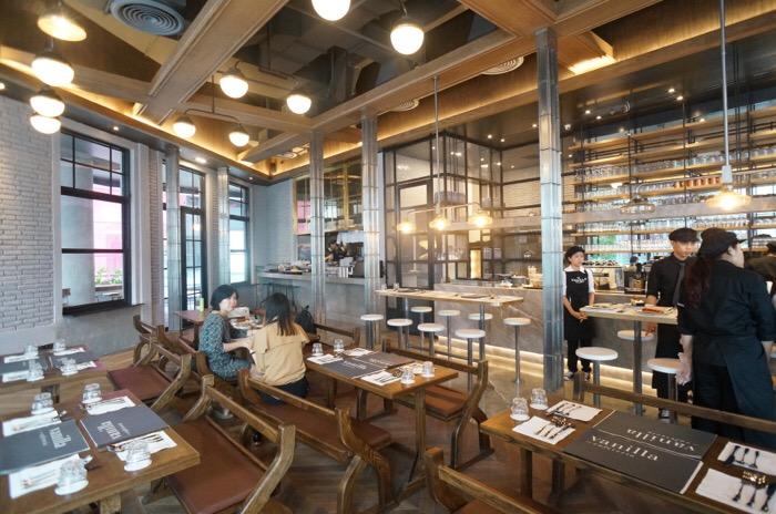 รสชาติของความสุขไม่รู้จบ ที่ Vanilla Cafeteria เปิดใหม่ @EmQuartier 13 - ร้านอาหาร