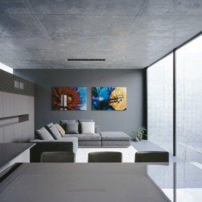 บ้านคอนกรีต สีเทาเรียบง่าย ที่ทำให้งานศิลปะโดดเด่น งดงาม 26 - Japan