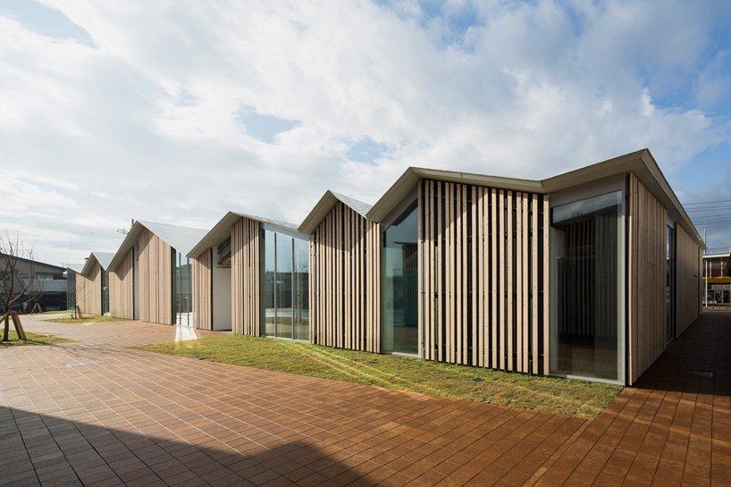 kengo-kuma-community-center-towada-city-plaza-aomori-designboom-05