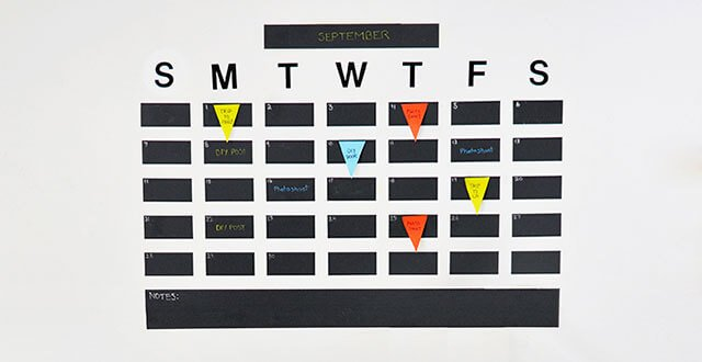 DIY: ปฏิทินจากสติกเกอร์กระดานดำ เขียนได้ ลบง่ายดี 13 - chalkboard