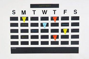 DIY: ปฏิทินจากสติกเกอร์กระดานดำ เขียนได้ ลบง่ายดี 32 - DIY
