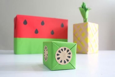 DIY: เปลี่ยนกล่องของขวัญธรรมดาให้หน้าตาเหมือนผลไม้ 16 - DIY