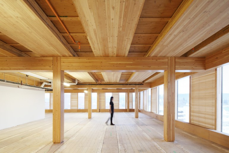 อาคารที่ผลิตจากไม้ล้วนๆ สูงที่สุดในโลก The Wood Innovation Design Centre 21 - Architecture
