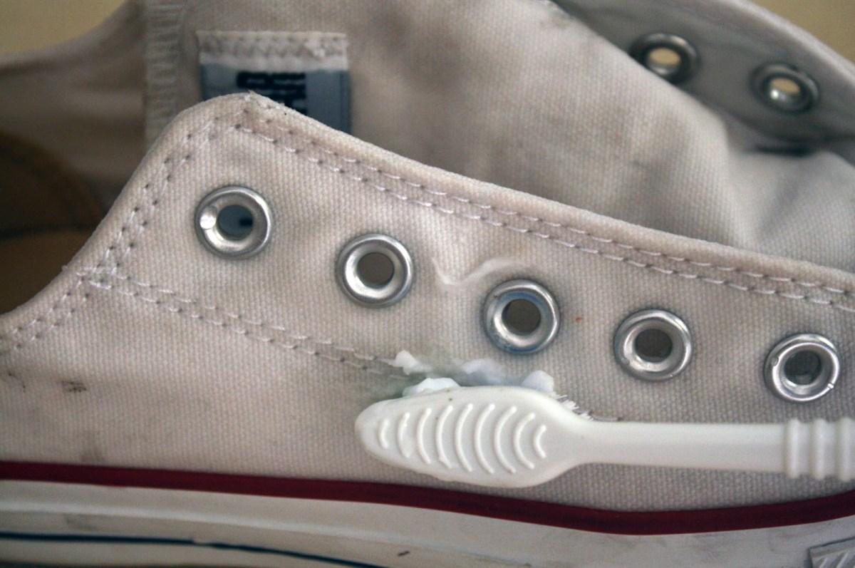 scrub-shoes