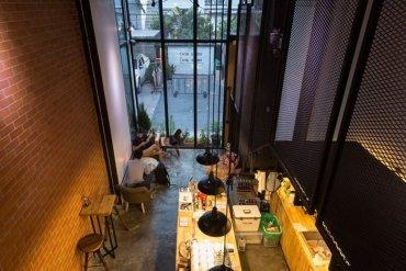 รีโนเวทตึกแถวเก่า ให้เป็นร้านกาแฟ CASE STUDY COFFEE & EATERY 32 - ตกแต่งบ้าน