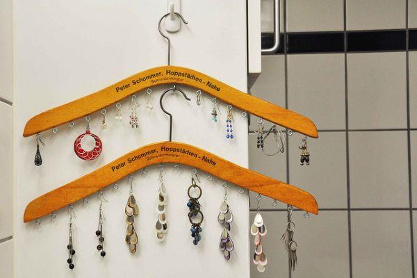 jewelry-organization-hangers