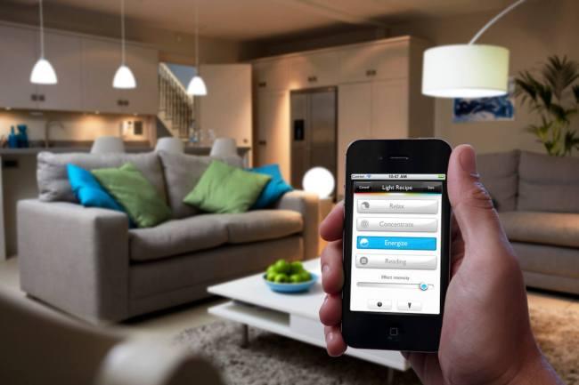5philipshue 750x500 10 อุปกรณ์ Smart Home บ้านอัจฉริยะยอดนิยมระดับโลก