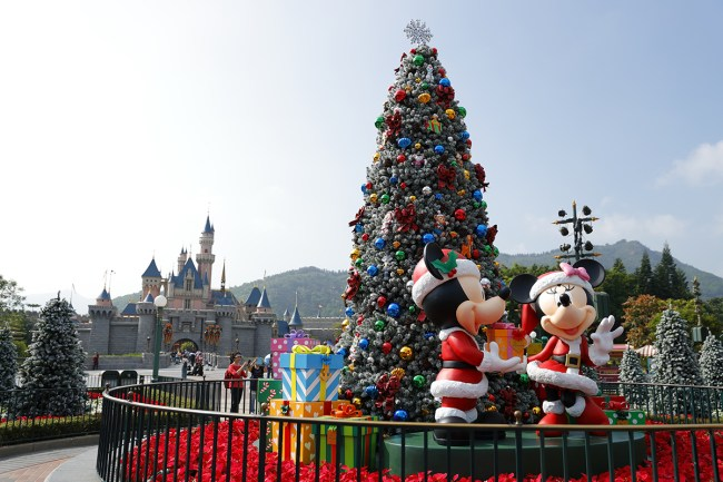 hkdl_christmas_park-decoration-2