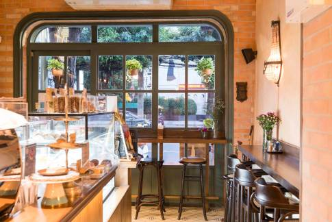 "%name 30 ร้านเดท ร้านเด็ด ""ทองหล่อ เอกมัย"" กาแฟ ขนม คาเฟ่ ย่านหนึ่งที่ไฮโซที่สุดในกรุงเทพ"