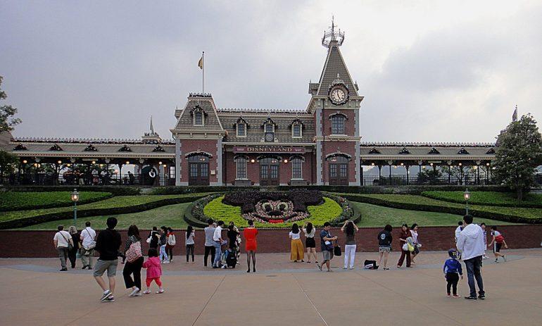 """ความเป็นมาของ """"สวนสนุกดีสนีย์แลนด์"""" สวนสนุกที่ความสนุกไม่มีวันเสร็จสิ้น 30 - Disney"""