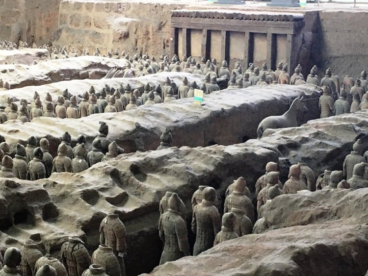 169 1 750x563 สุสานกองทัพทหารดินเผา สุสานที่ใหญ่ที่สุดในจีน สิ่งมหัศจรรย์ของโลกลำดับที่ 8