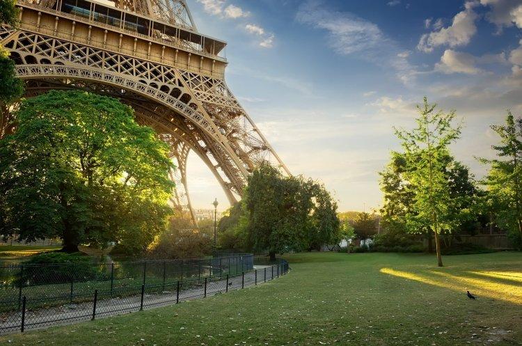 Eiffel9 750x497 หอไอเฟล งานสถาปัตย์จากโครงเหล็ก กลางกรุงปารีส