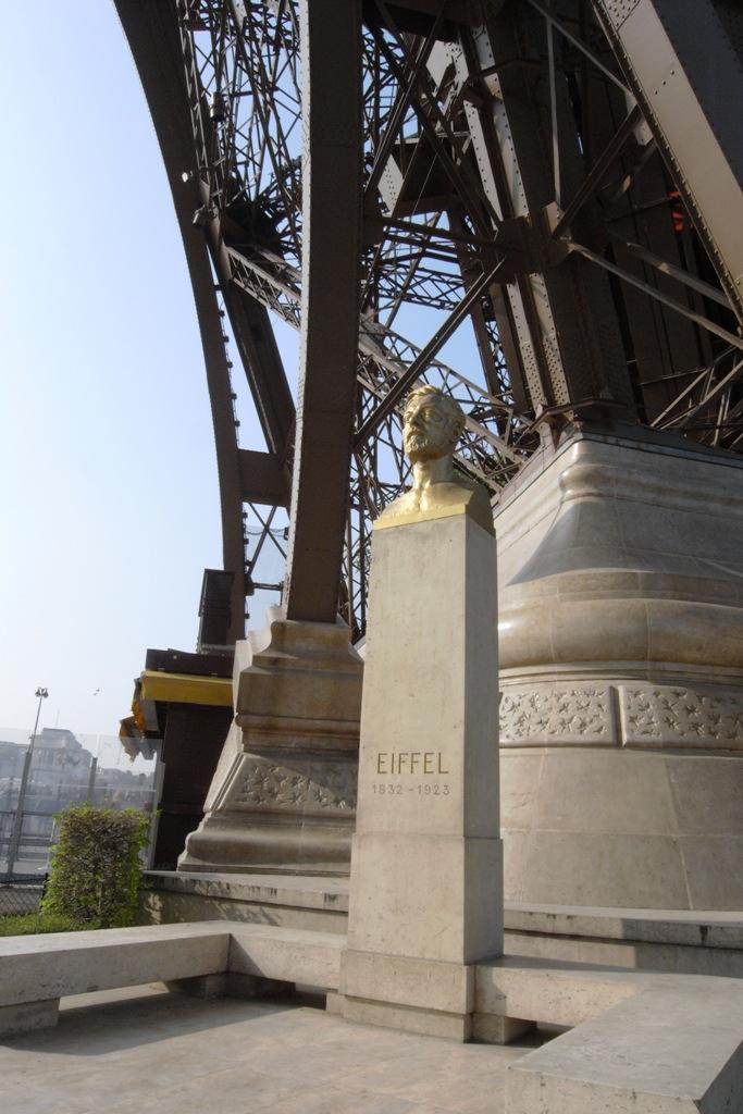 หอไอเฟล งานสถาปัตย์จากโครงเหล็ก กลางกรุงปารีส 19 - ปารีส