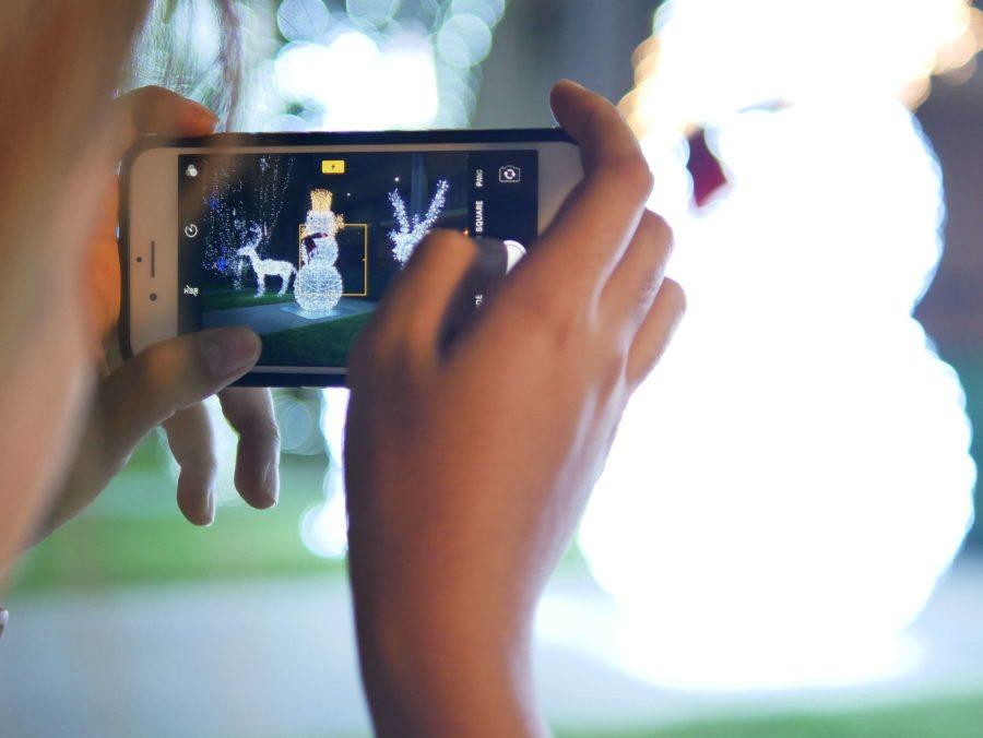 """10 เทคนิคถ่ายรูป ไฟปีใหม่-ไฟคริสต์มาส ด้วย """"กล้องมือถือ"""" ยังไงให้ปัง 21 - AP (Thailand) - เอพี (ไทยแลนด์)"""
