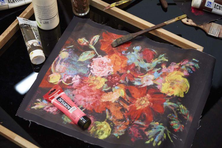 """นิทรรศการ """"Arianna Caroli : Artist in Residence"""" ถ่ายทอดพลังแห่งดอกไม้งามผ่านงานศิลปะ 7-18 ก.พ. นี้ ที่เซ็นทรัล เอ็มบาสซี 21 - Arianna Caroli"""