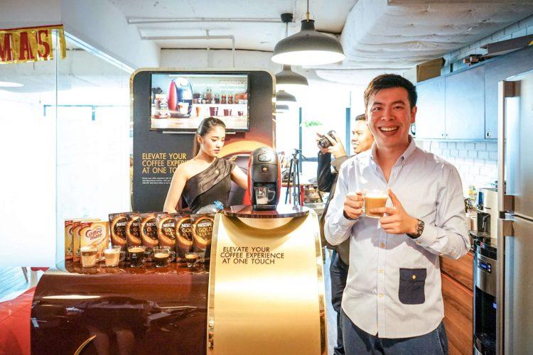 บังเอิญชิม NESCAFÉ GOLD BARISTA แก้วละแค่ 3 บาท เครื่องก็ได้ฟรี ใครมีออฟฟิศคุ้มมาก จัดเลย 30 - Coffee