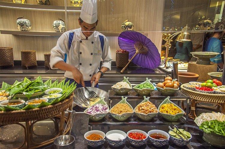 อิ่มอร่อยกับบุฟเฟ่ต์อาหารไทยมื้อค่ำ ทุกวันพฤหัสบดี ณ ห้องอาหาร ริเวอร์บาร์จ โรงแรมชาเทรียม ริเวอร์ไซด์ กรุงเทพฯ 13 -