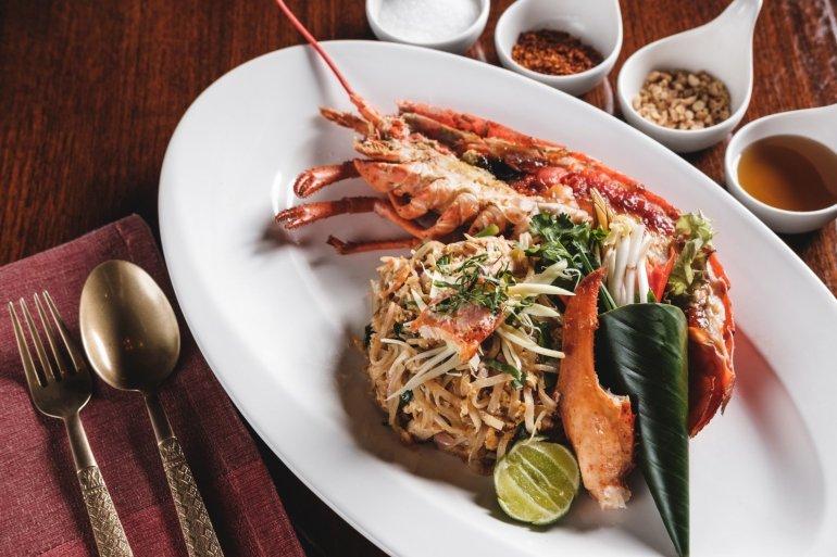 สัมผัสมิติใหม่ของอาหารไทย ณ ห้องอาหารธาราทอง โรงแรมรอยัล ออคิด เชอราตัน 13 -