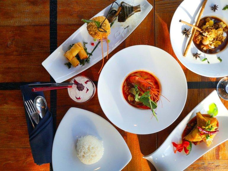 สัมผัสมนต์เสน่ห์ของอาหารไทยต้นตำรับสไตล์โมเดิร์นระดับไฮเอนด์ ณ บางกอก ไฮทส์ โรงแรมเดอะคอนทิเน้นท์ กรุงเทพ 13 -