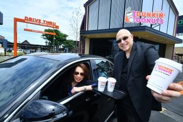 1st Dunkin' Donuts Drive Thru in Thailand ดังกิ้นโดนัท ขยายธุรกิจรุกเทรนด์ Drive Thru เปิดสาขาแรกในไทย กับการเติบโตสู่การเป็นมากกว่าร้านโดนัท 12 -