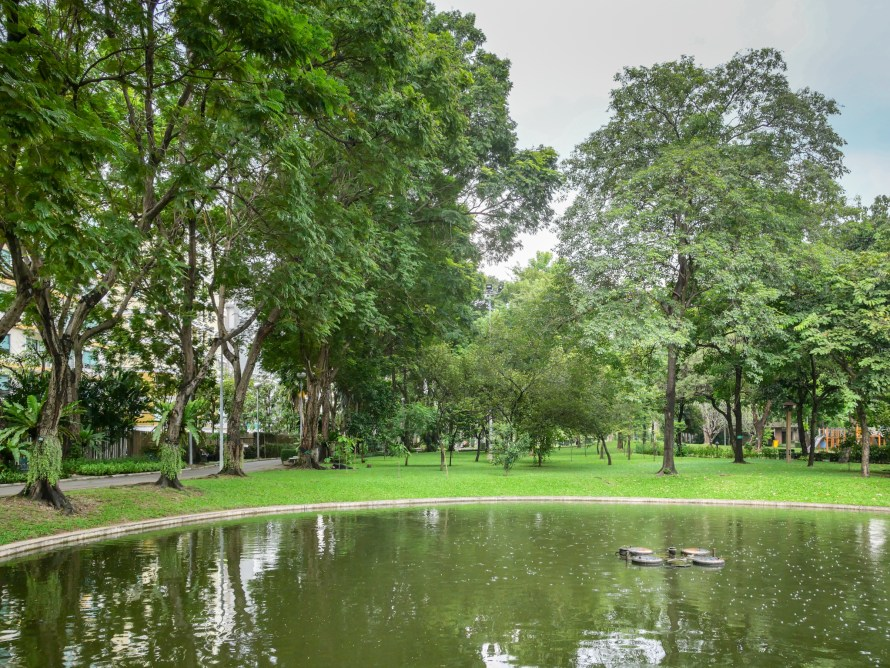ซอยรางน้ำ สำรวจทำเลระดับ Limited Edition กินอยู่สบาย-ลงทุนได้ ใกล้คิงพาวเวอร์ กับคอนโดใหม่IDEO MOBI RANGNAM | ไอดีโอ โมบิ รางน้ำ 18 - Ananda Development (อนันดา ดีเวลลอปเม้นท์)