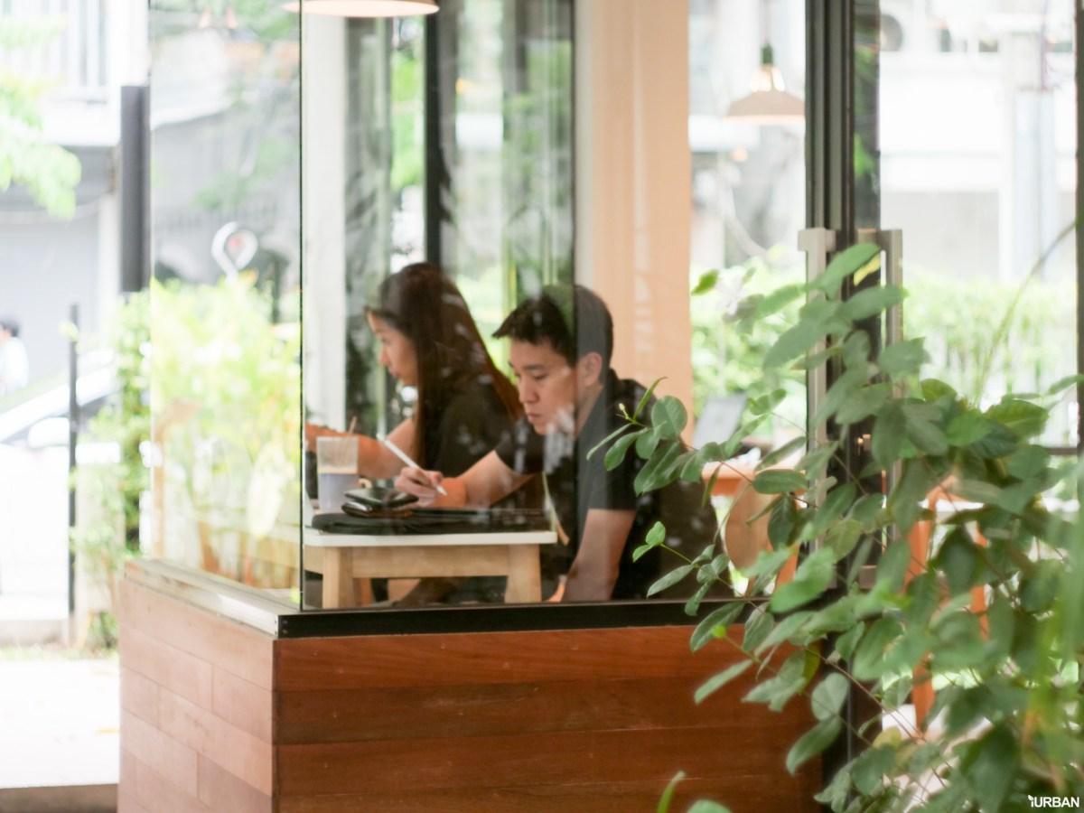 The Running Dog Cafe ร้านกาแฟ #หมาเข้าได้ สไตล์สถาปนิก ย่านสาทร 26 - cafe