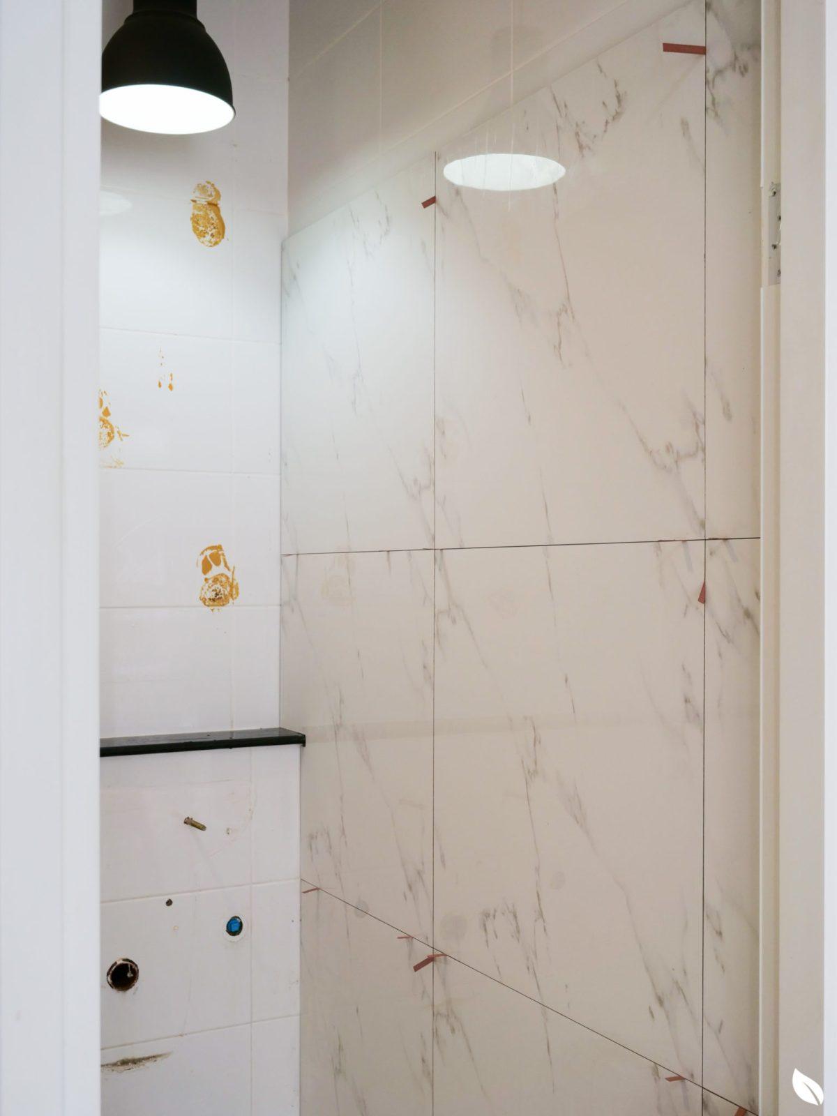 """4 ขั้นตอน """"รีโนเวทห้องน้ำขนาดเล็ก"""" ให้สวยใหม่ จบงานไวใน 2 วัน แบบปูกระเบื้องทับ ไม่ต้องรื้อ 40 - bathroom"""