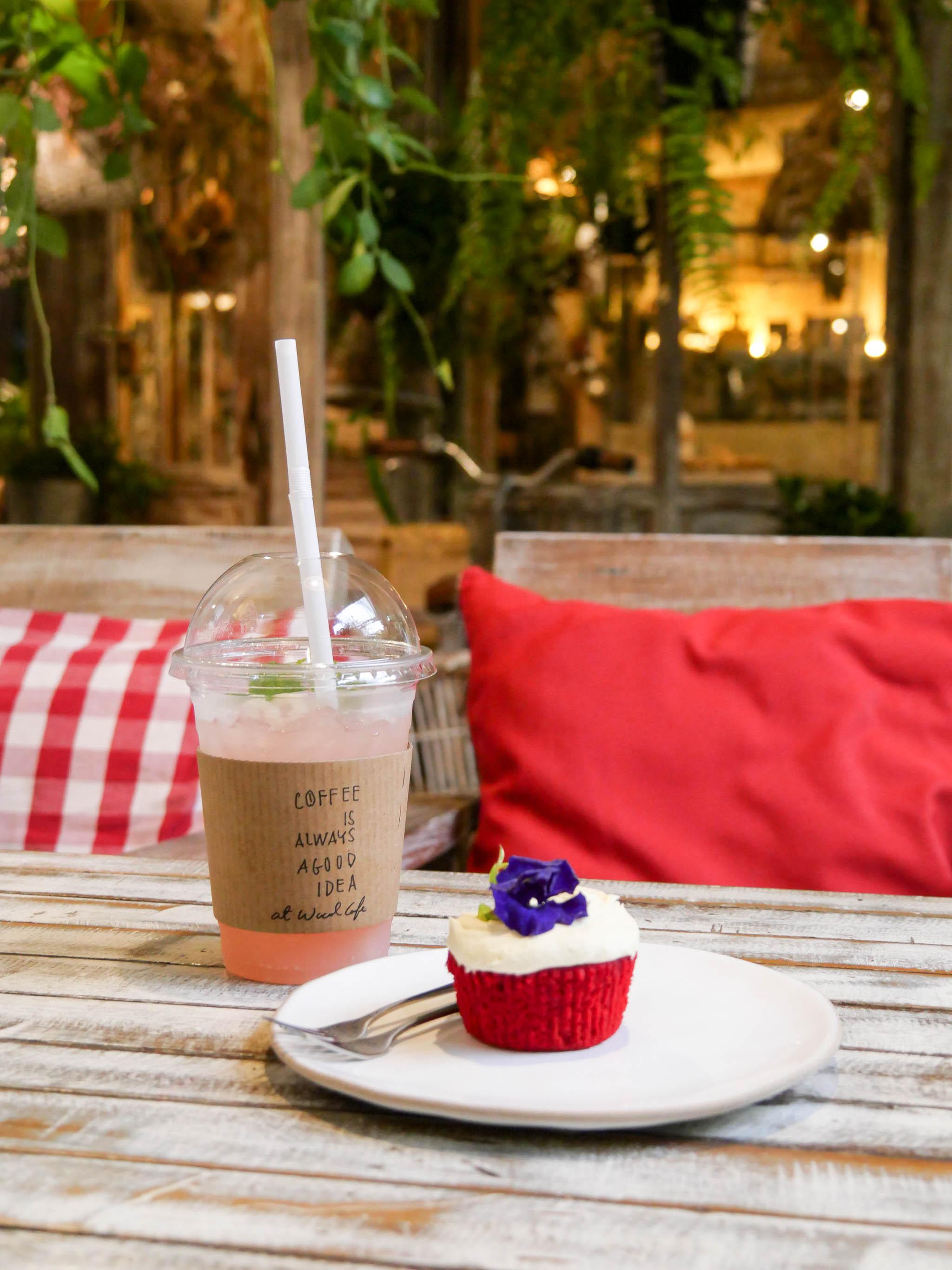 "7 Simply Creative Cafe & Bar ในย่านไลฟ์สไลต์สุดฮิป กับ 24 Hr. Co-Working Space กลาง New Interchange ""รัชดา - ลาดพร้าว"" 41 - cafe"