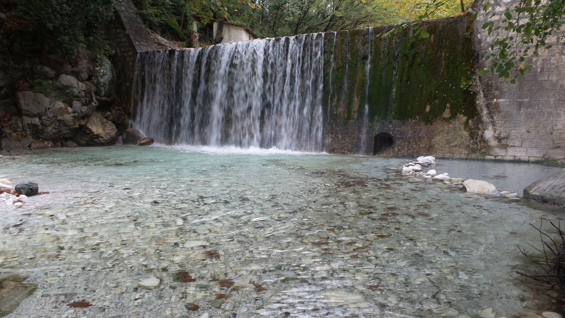 Main waterfalls by the Loutra Pozer Hotel