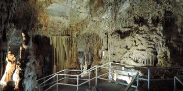 The Petralona Cave in Greece. Image source: wikipedia.com under the Creative Commons ShareAlike license.