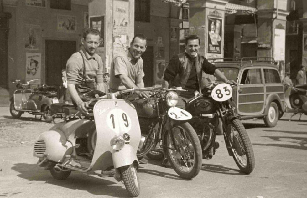 vespa-large-frame-scooter-vintage
