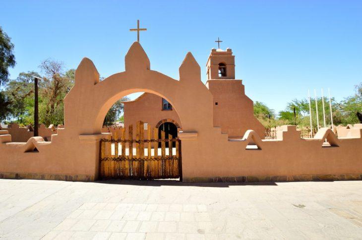 San Pedro de Atacama la chiesa in adobe