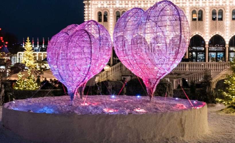 romantiche luci a forma di cuore a Copenaghen