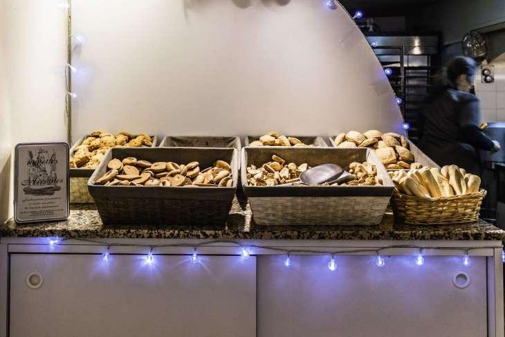 le navettes di Marsiglia piccoli dolci a forma di nave dal delicato profumo di arancio