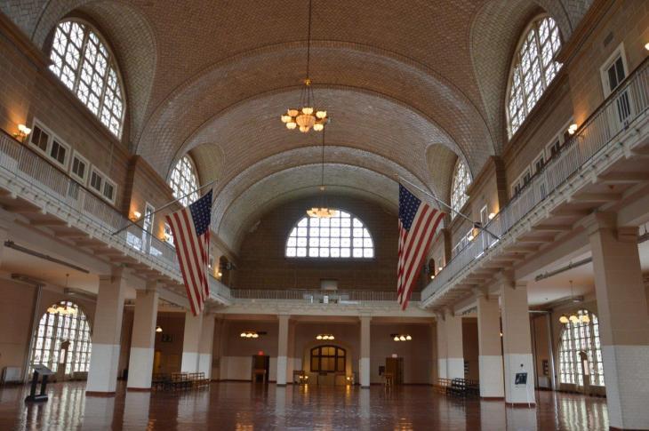 Ellis Island il museo dell'immigrazione        Quando a partire eravamo noi